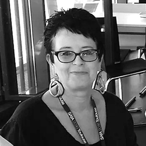 Dr Julie Dunne
